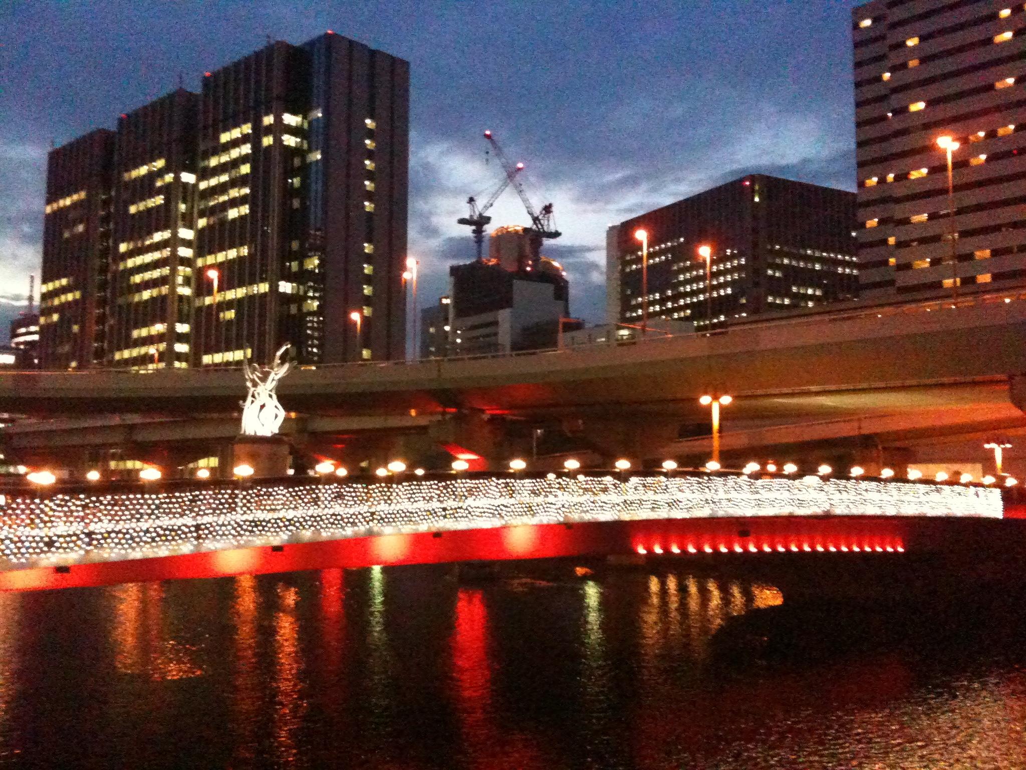 夕暮れの堂島川