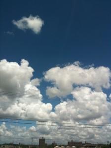愛知県東海市の夏空