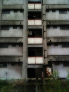 誰もいないアパート2