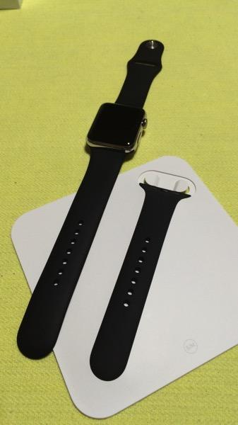 Apple watchブラックスポーツバンド2種類