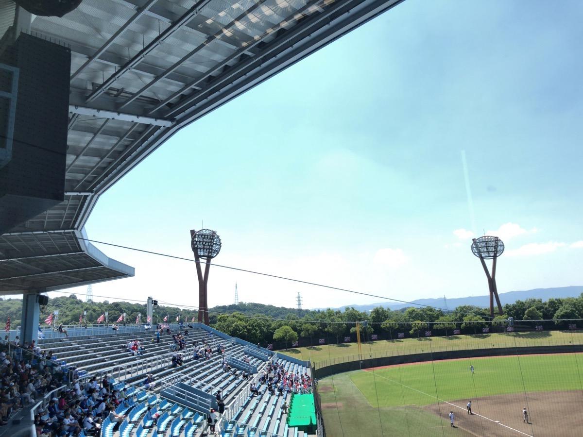 岡崎市民球場の内野スタンド